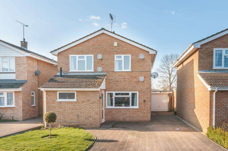 3 Bedrooms Detached House for sale in Claydown Way, Slip End