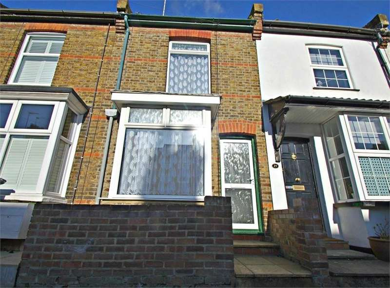 2 Bedrooms Terraced House for sale in York Road, WATFORD, Hertfordshire