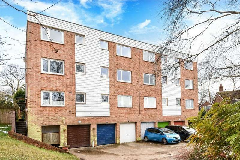 2 Bedrooms Maisonette Flat for sale in Ashdown Close, Chandler's Ford, Hampshire