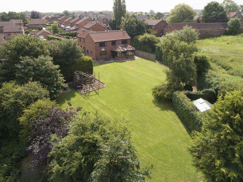5 Bedrooms Detached House for sale in Pinfold Lane, Burstwick