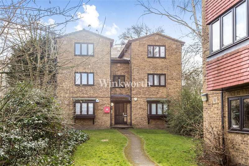2 Bedrooms Flat for sale in Woodview Close, Finsbury Park, N4