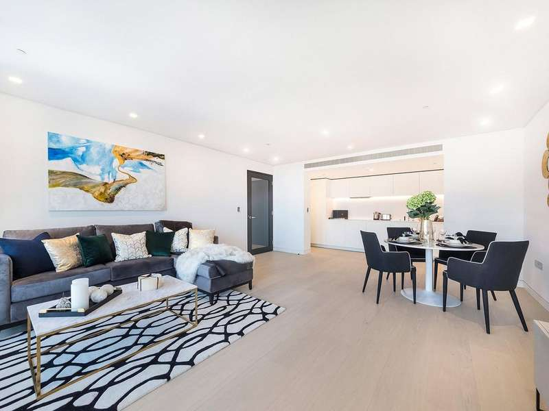 2 Bedrooms Apartment Flat for rent in New Oxford Street, Covent Garden, WC1A