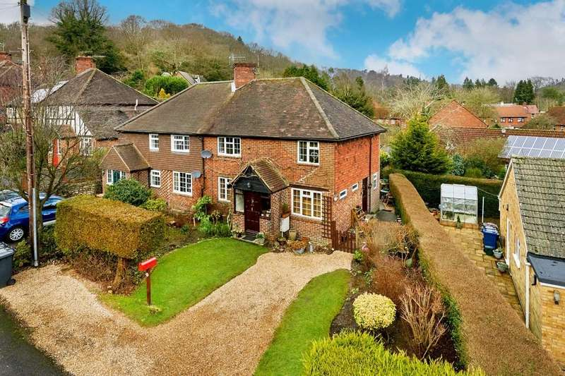 4 Bedrooms Semi Detached House for sale in Critchmere Vale, Haslemere