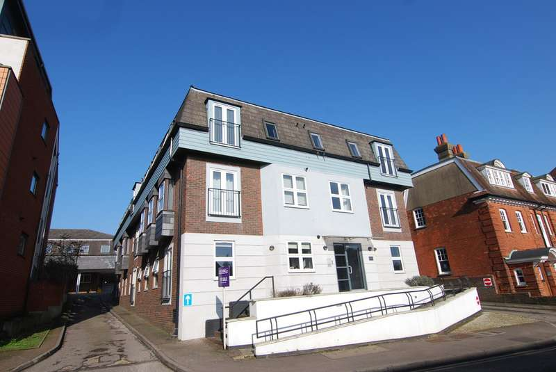 2 Bedrooms Apartment Flat for sale in Lyons Crescent, Tonbridge TN9