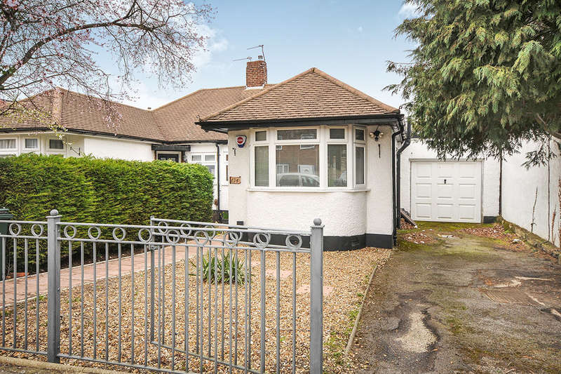 3 Bedrooms Semi Detached Bungalow for sale in Andover Road, Orpington, BR6