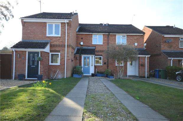 2 Bedrooms Terraced House for sale in Isis Way, Sandhurst, Berkshire