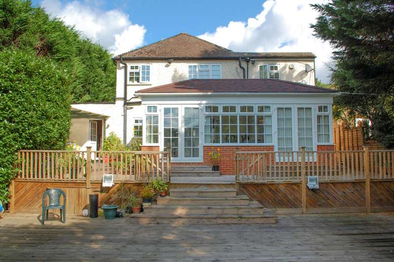 4 Bedrooms Detached House for sale in Middle Road, Denham, UB9