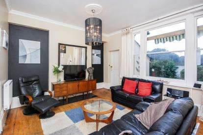 2 Bedrooms Maisonette Flat for sale in 193 York Avenue, East Cowes, Isle Of Wight