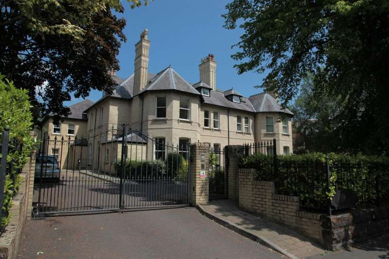 2 Bedrooms Flat for sale in Bowdon, Cheshire