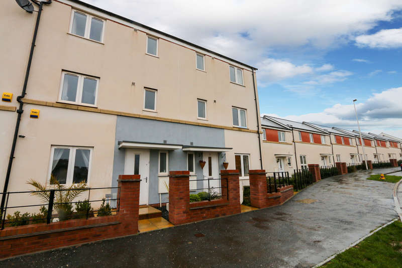 4 Bedrooms End Of Terrace House for sale in Tillhouse Road, Cranbrook