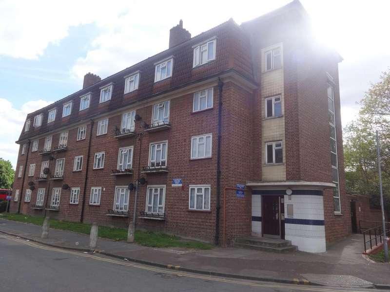 1 Bedroom Flat for sale in North Street, Barking, Essex, Barking IG11