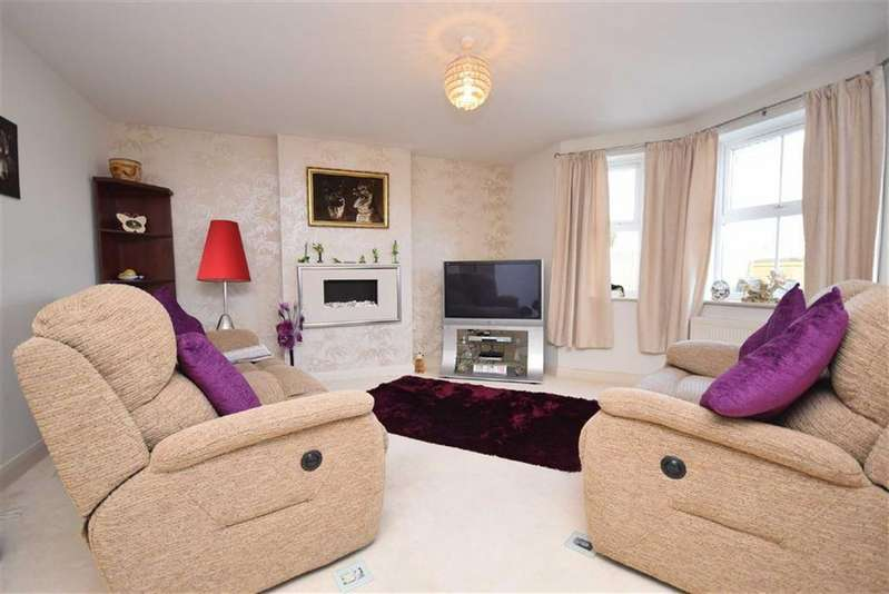 2 Bedrooms Apartment Flat for sale in Castle Court, Colne, Lancashire