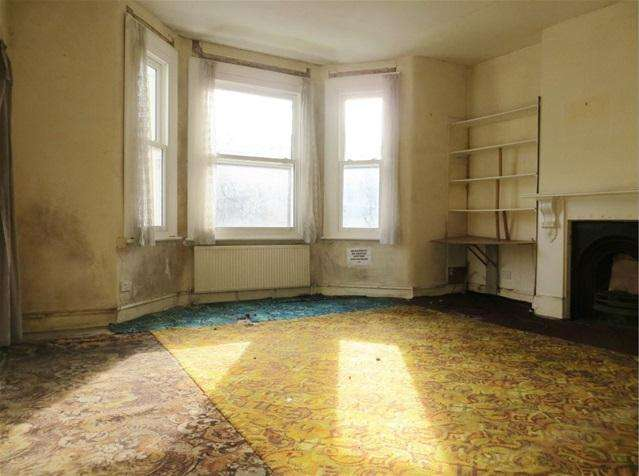 2 Bedrooms Flat for sale in Devonport Road, Shepherds Bush, Shepherds Bush