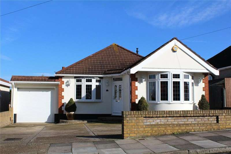 3 Bedrooms Detached Bungalow for sale in Stanley Road, Hornchurch, RM12