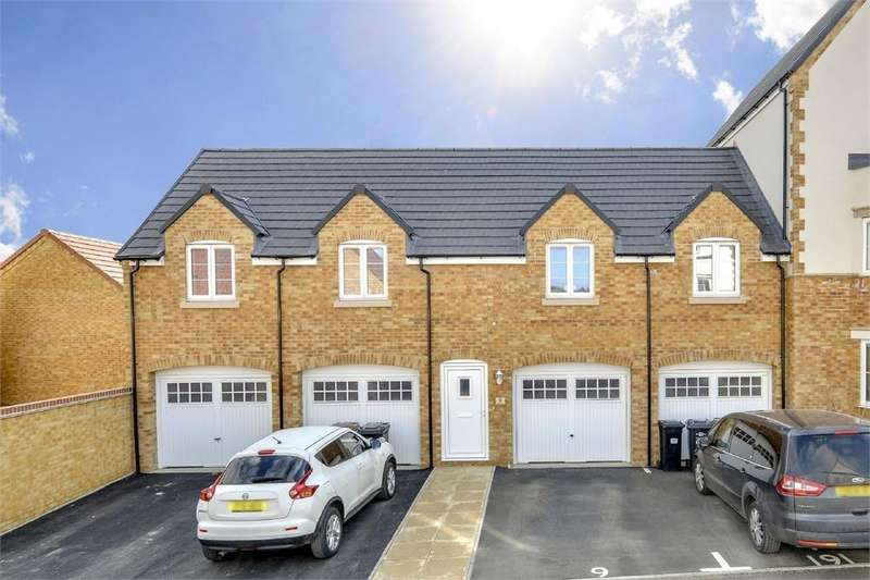 3 Bedrooms Maisonette Flat for sale in Brecon Close, Little Stanion, Northamptonshire