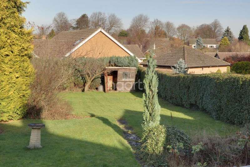 2 Bedrooms Bungalow for sale in Whatton Road, Kegworth