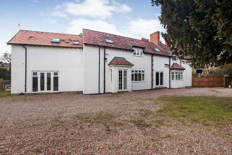 5 Bedrooms Property for sale in BISHOPS HULL