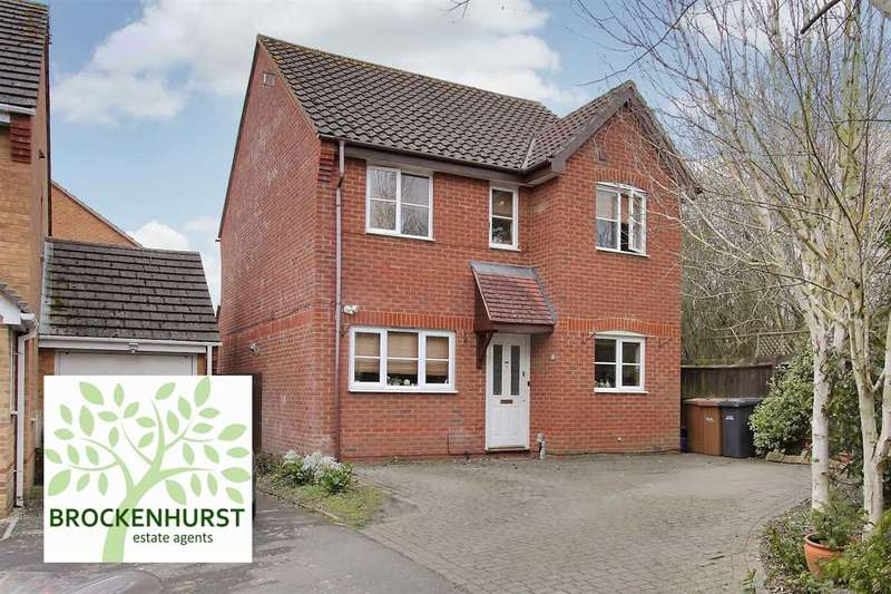 3 Bedrooms Detached House for sale in Detached three bedroom family home in popular location