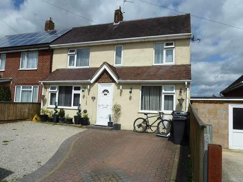 3 Bedrooms Semi Detached House for sale in Wakely Road, Bear Cross, Bournemouth