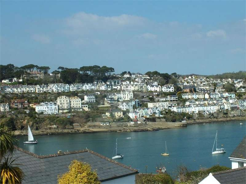 2 Bedrooms Detached House for sale in Tinkers Hill, Polruan, Cornwall