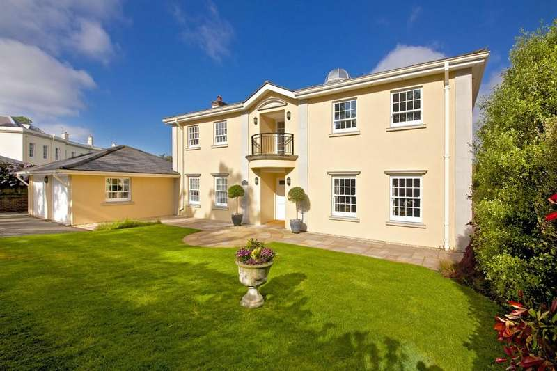 5 Bedrooms Detached House for sale in Cedar House, Essendon Place, Hertfordshire