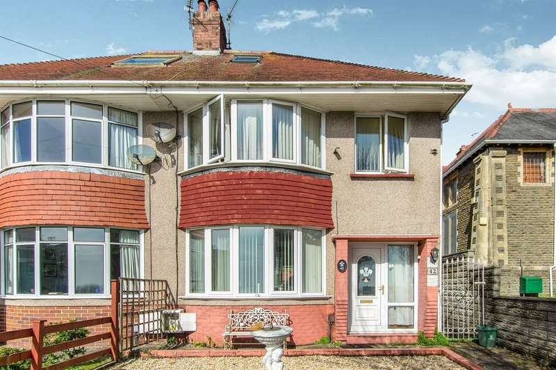 4 Bedrooms Semi Detached House for sale in St Albans Road, Brynmill, Swansea