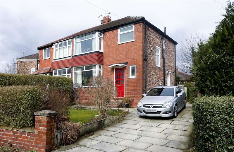 3 Bedrooms Semi Detached House for sale in Charlbury Avenue, Prestwich