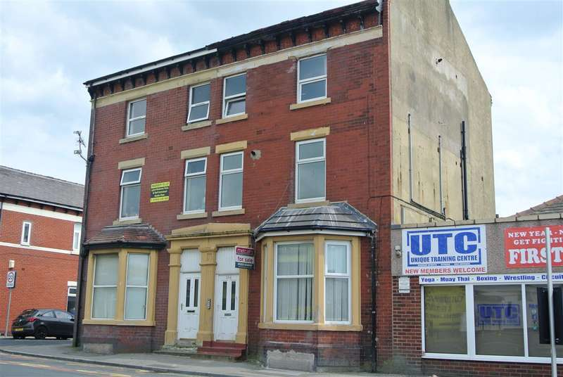 4 Bedrooms Flat for sale in Talbot Road, Blackpool