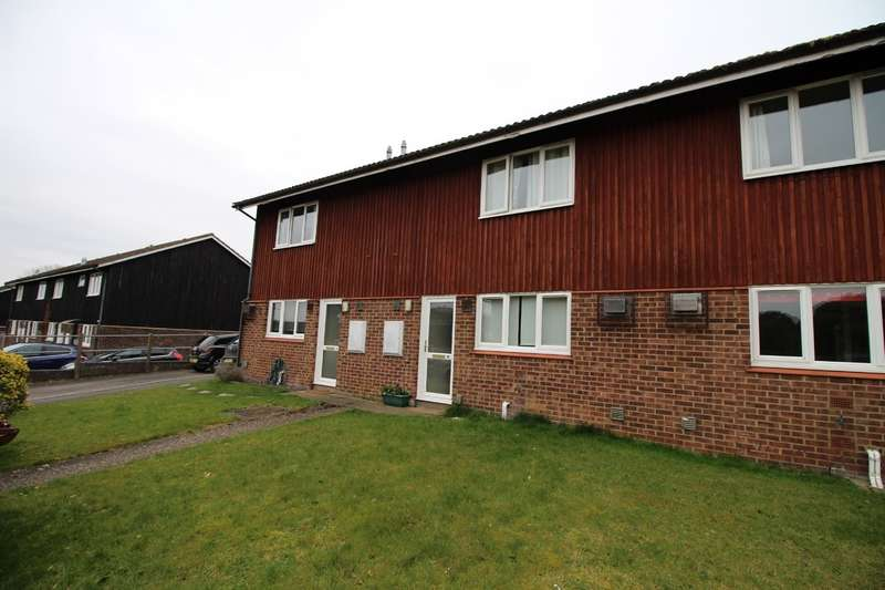 2 Bedrooms Terraced House for sale in Highclere Close, Newmarket