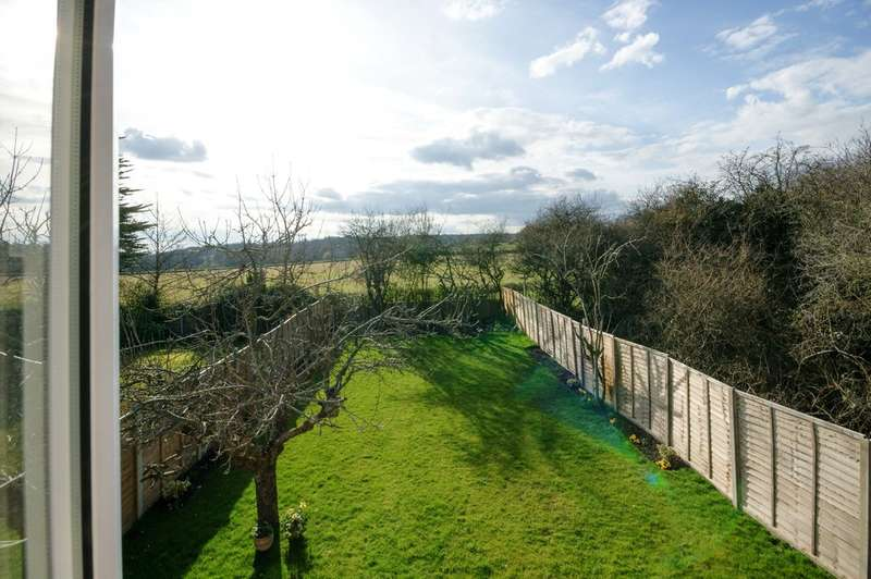 4 Bedrooms Detached Bungalow for sale in Sylvia Avenue, Pinner