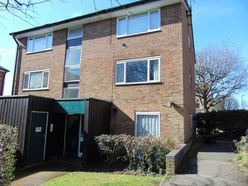 1 Bedroom Ground Flat for sale in Middlefields, Croydon, CR0 9LH