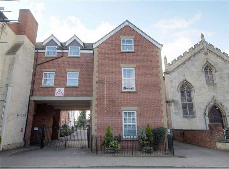 1 Bedroom Retirement Property for sale in Stokes Mews, Newent, Gloucestershire