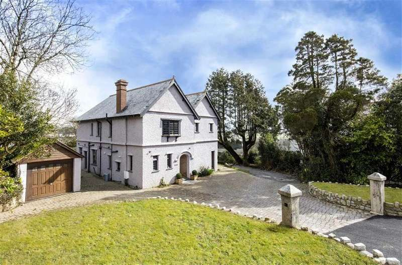 4 Bedrooms Detached House for sale in Edgcumbe Road, St Austell, Cornwall, PL25