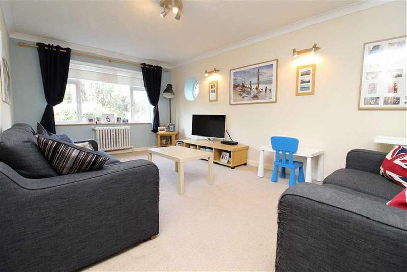 2 Bedrooms Apartment Flat for sale in Devonshire Court, Hove, East Sussex