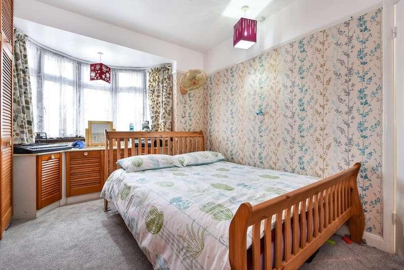 3 Bedrooms Terraced House for sale in Kent House Lane Beckenham BR3