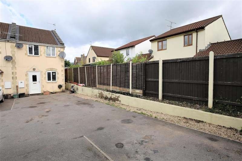 2 Bedrooms House for sale in Old Station Close, Cheddar