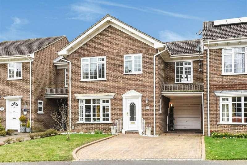 4 Bedrooms Link Detached House for sale in Regent Way, Frimley, Camberley, Surrey