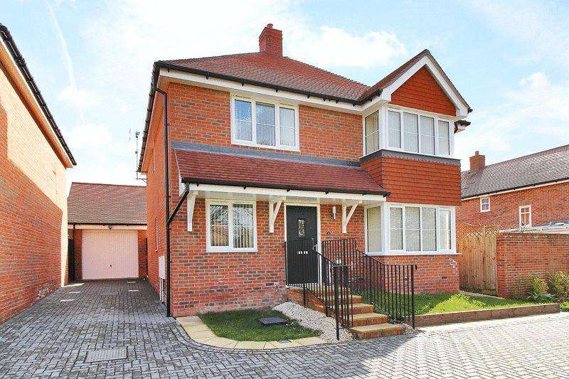 4 Bedrooms Detached House for sale in Chantler Lane, Wickhurst Green