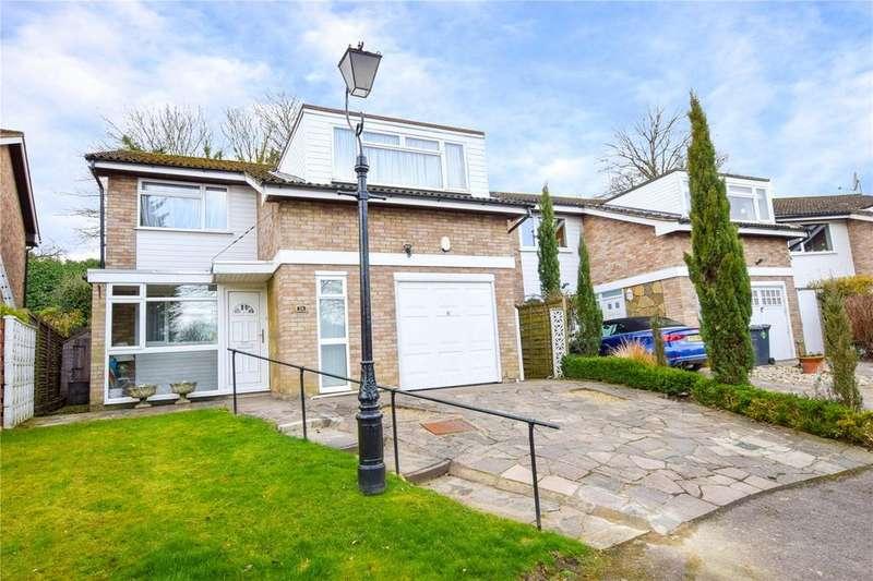 4 Bedrooms Detached House for sale in Risingholme Close, Bushey, Hertfordshire, WD23