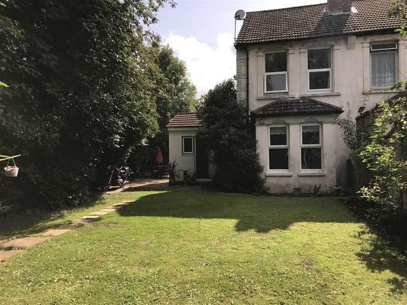 3 Bedrooms Semi Detached House for sale in High Street, Aldershot