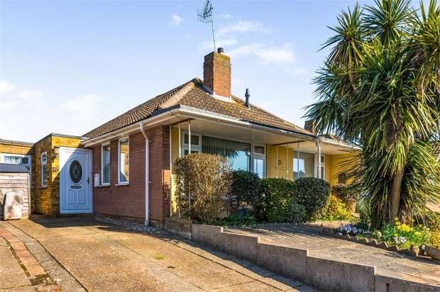 3 Bedrooms Detached Bungalow for sale in Farm Close, Seaford, East Sussex