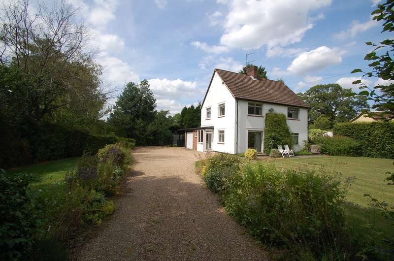4 Bedrooms Detached House for sale in Fulmer Common Road, Fulmer, SL0