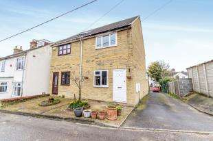 2 Bedrooms Semi Detached House for sale in Bradley Road, Upper Halling, Rochester, Kent
