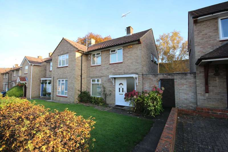 2 Bedrooms Semi Detached House for sale in Manston Drive, Bracknell