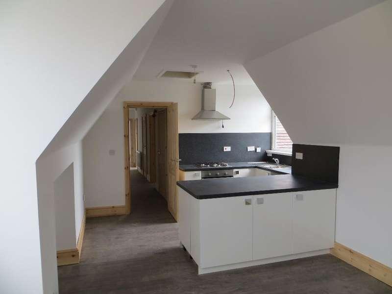 2 Bedrooms Flat for rent in Endike Lane, Hull, HU6 8AQ