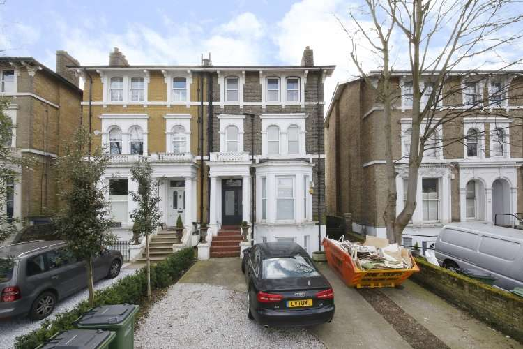 1 Bedroom Flat for sale in Shooters Hill Road London SE3