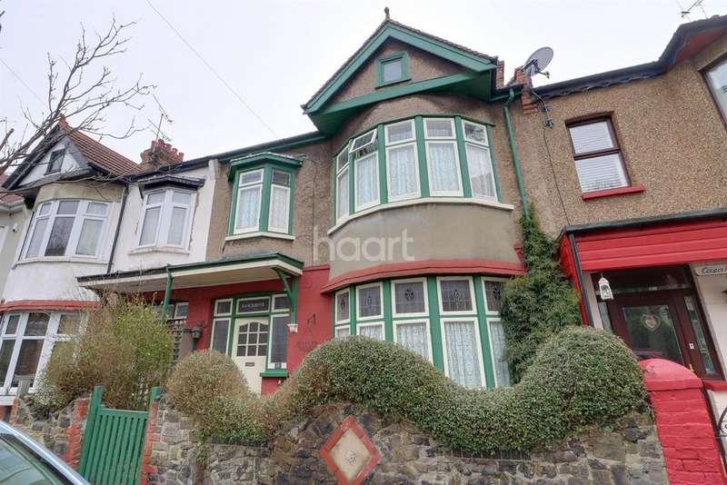 4 Bedrooms Terraced House for sale in Tintern Avenue, Westcliff on Sea