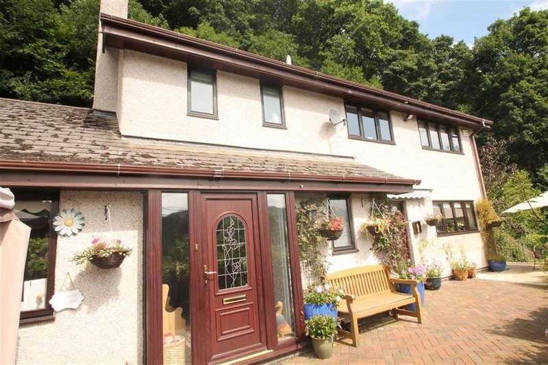4 Bedrooms Detached House for sale in Quarry Road, Glyn Ceiriog