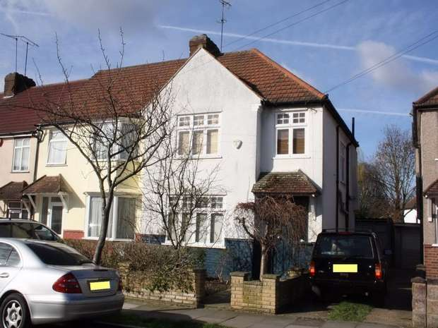 3 Bedrooms End Of Terrace House for rent in Cranleigh Gardens, HARROW, Middlesex, U.K