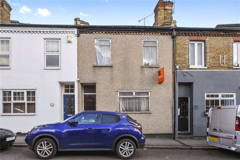 2 Bedrooms House for sale in Nightingale Lane, London, E11
